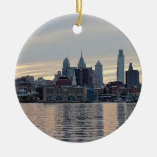 Philadelphia-Sonnenuntergangskyline-Foto Rundes Keramik Ornament