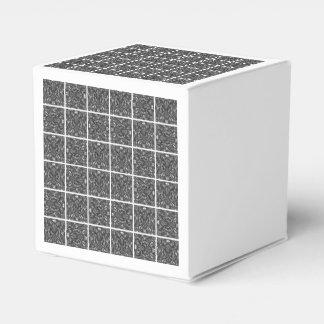PiecedLayered deckt 6x6 BandW mit Ziegeln Geschenkkarton
