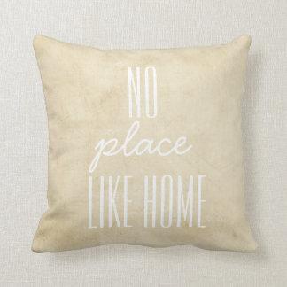 pillow mit Zitat auf beunruhigtem Hintergrund im Kissen