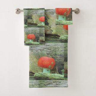 Pilz im Holz Badhandtuch Set