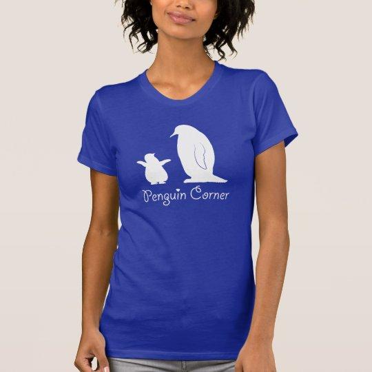 Pinguin-Ecke mit den großen und kleinen Pinguinen T-Shirt
