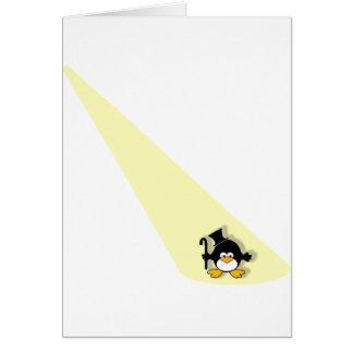 Pinguin im Scheinwerfer Karte