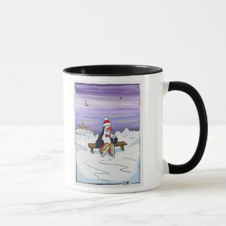 Pinguin mit heißer Schokolade Tasse