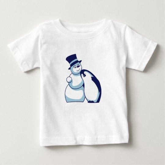 Pinguin und Schneemann Baby T-shirt