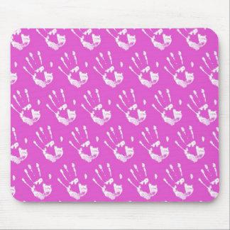 Pink background with handprint tapis de souris