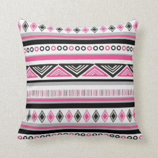 Pink-und Schwarz-südwestliches Muster Kissen