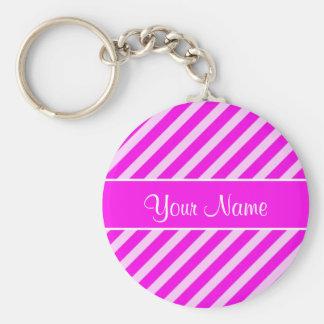 Pink-und weißediagonale Streifen Standard Runder Schlüsselanhänger