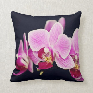 Pinkfarbene rosa Orchidee Zierkissen