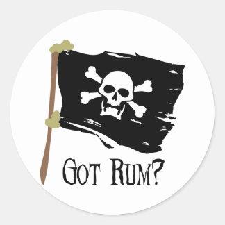 Piratenflagge erhielt Rum Runder Aufkleber