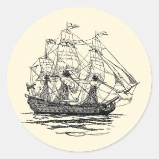 Pirates vintages, croquis d'un bateau d'arme à feu sticker rond
