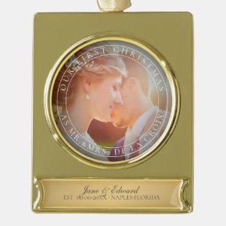 PixDezines Herr u. Frau First Christmas Wedding Banner-Ornament Gold