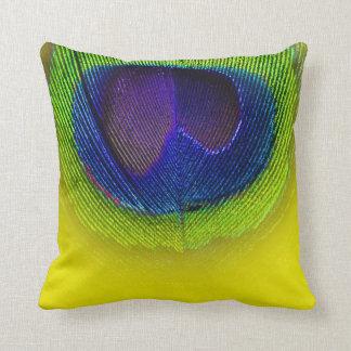PixDezines psychedelisches Pfauauge/lila+Gelb Kissen