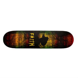 Planche à roulettes de foi skateboards customisés