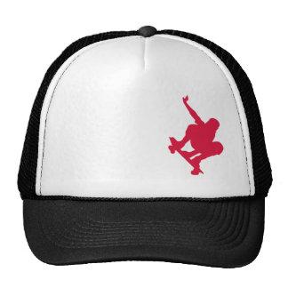 Planche à roulettes de rouge cramoisi casquettes de camionneur