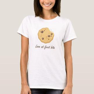 Plätzchen-Liebe am grafischen T-Shirt des ersten