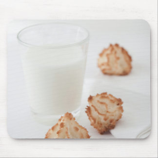 Plätzchen und Milch Mousepad