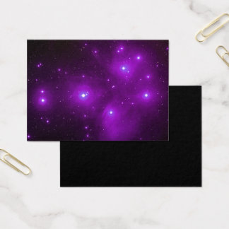 Pleiades in der lila Raum-Kunst Visitenkarte