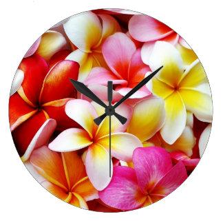 Plumeriafrangipani-Hawaii-Blume besonders Wanduhr