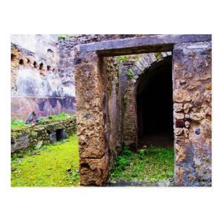 Pompeji - Einstiegstür zu Ruinen eines Hauses Postkarte