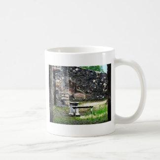 Pompeji-Hofmarmorbrunnen und -bank Kaffeetasse