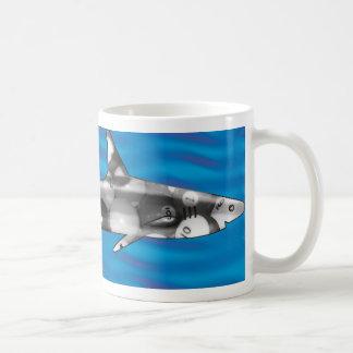 Pool-Haifisch Tasse