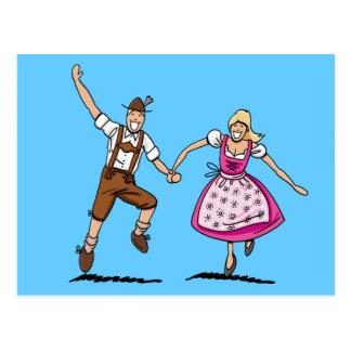 Postkarte glückliche bayerische Oktoberfest Paare