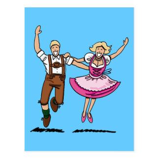 Postkarten-glückliches bayerisches Paar-Tanzen