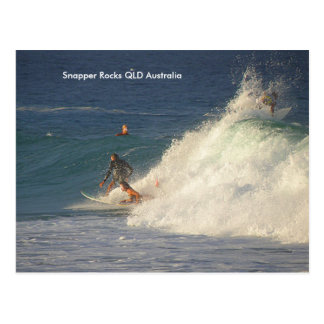 Postkarten-Surfer-Mädchen-Rotbarsch schaukelt QLD Postkarte