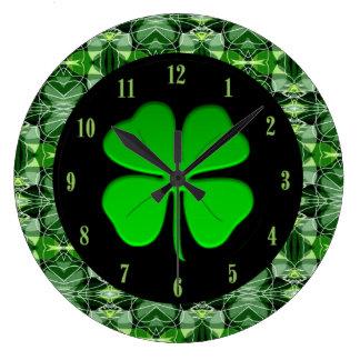 Prachtvolle grüne abstrakte Muster-Kleeblatt-Uhr Große Wanduhr