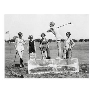 Prallplatten-Mädchen, die Golf, 1926 spielen Postkarte