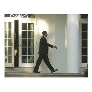 Präsident Barack im tiefen Gedanken, wie er geht Postkarten