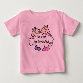 Premier anniversaire de filles jumelles t-shirt pour bébé