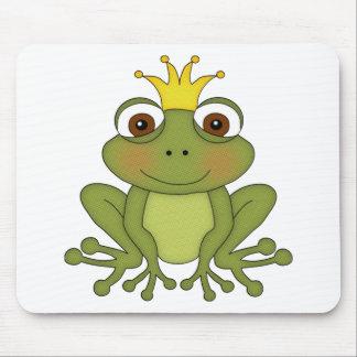 Prince de grenouille de conte de fées avec la cour tapis de souris