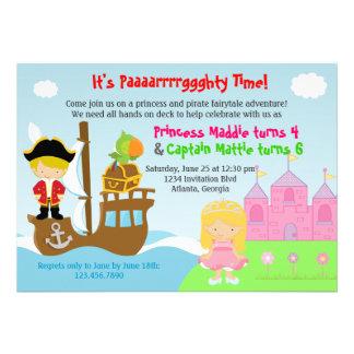 Prinzessin-und Piraten-Zwillings-gemeinsames Personalisierte Ankündigungskarten