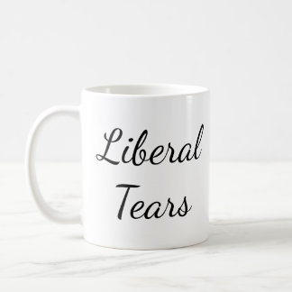 Pro-Trumpf zerreißt lustige konservative Tasse