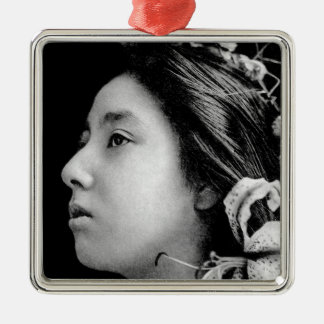 Profil einer Geisha-Schwarzweiss-Schönheit Vintag Silbernes Ornament