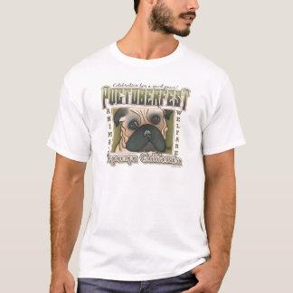 Pugtoberfest durch Robyn Feeley T-Shirt