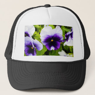 Purple_White_Pansies, _ Truckerkappe