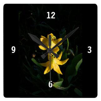 Quadratische Acrylgletscher-Lilien-Uhr Quadratische Wanduhr