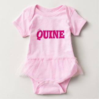Quine (Mädchen) Babygrow - Doric Baby Strampler