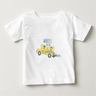 Räder auf Bus Baby T-shirt