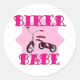 Radfahrer-Baby /pink Runder Aufkleber