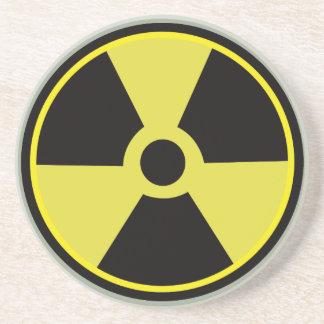 Radioaktiver warnender Aufkleber für die NerdGeeks Getränkeuntersetzer
