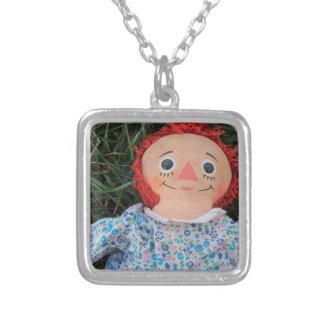 Raggedy Ann-Puppe 1 Halskette Mit Quadratischem Anhänger