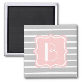 Rayures de gris et de blanc de cendre avec le magnet carré