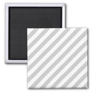 Rayures gris-clair et blanches magnet carré
