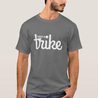 Recumbent Trike: Nehmen Sie eine Trike Dunkelheit T-Shirt