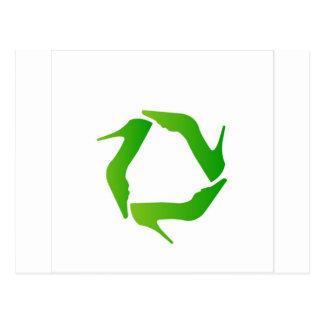 recyceln Sie die Ikone, die mit Schuhen gemacht Postkarte