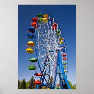 Regenbogen farbiges Riesenrad Poster