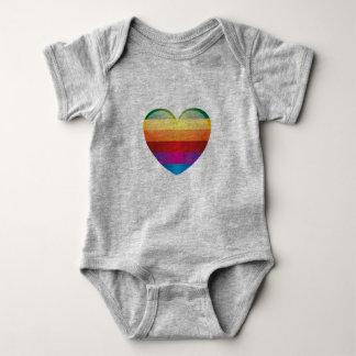 Regenbogen-Herz Baby Strampler